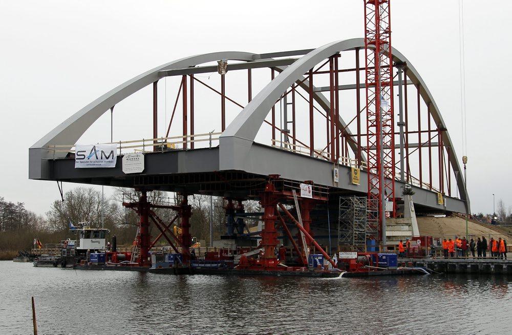 Einbau der Peenebrücke